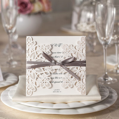 Floral Style Gate-Fold Invitation Cards (Set of 20)