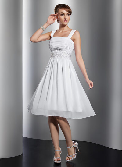 A-Line/Princess Square Neckline Knee-Length Chiffon Homecoming Dress With Ruffle Beading Appliques Lace