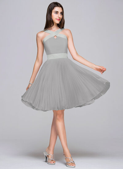 A-Line V-neck Knee-Length Chiffon Satin Homecoming Dress With Pleated