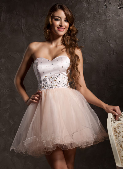 A-linje Sweetheart Kort/Mini Tyl Homecoming Kjole med Perlebroderi Applikationer Lace