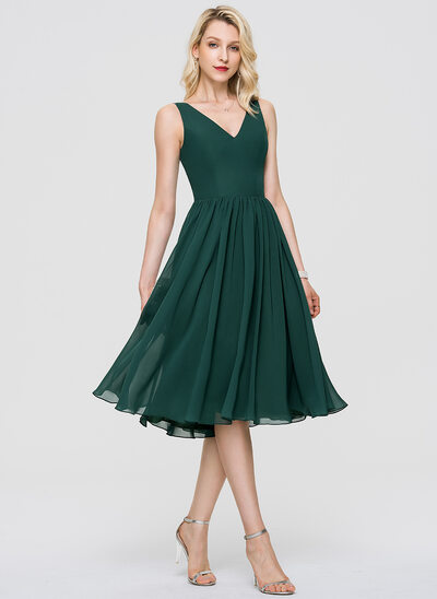 A-Line V-neck Knee-Length Chiffon Cocktail Dress