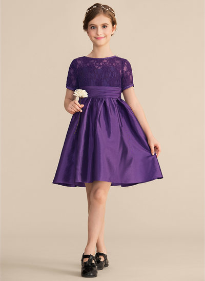 A-Line/Princess Scoop Neck Knee-Length Taffeta Lace Junior Bridesmaid Dress With Ruffle