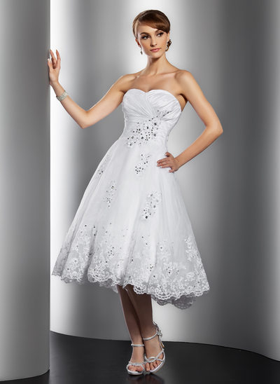 A-Line/Princess Sweetheart Knee-Length Organza Wedding Dress With Ruffle Beading Appliques Lace Sequins