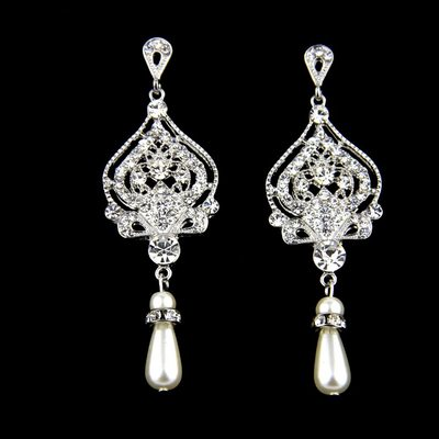 Charming Alloy/Rhinestones/Imitation Pearls With Rhinestone/Imitation Pearls Ladies' Earrings