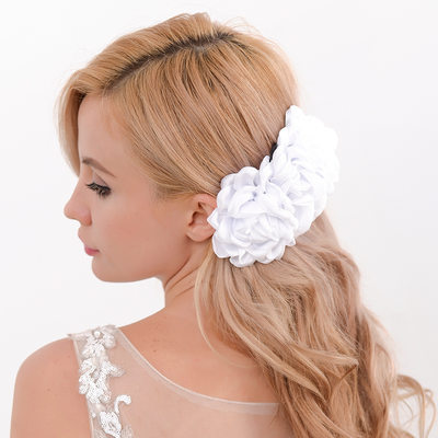 Ladies Classic Silk Flower Flowers & Feathers (Sold in single piece)
