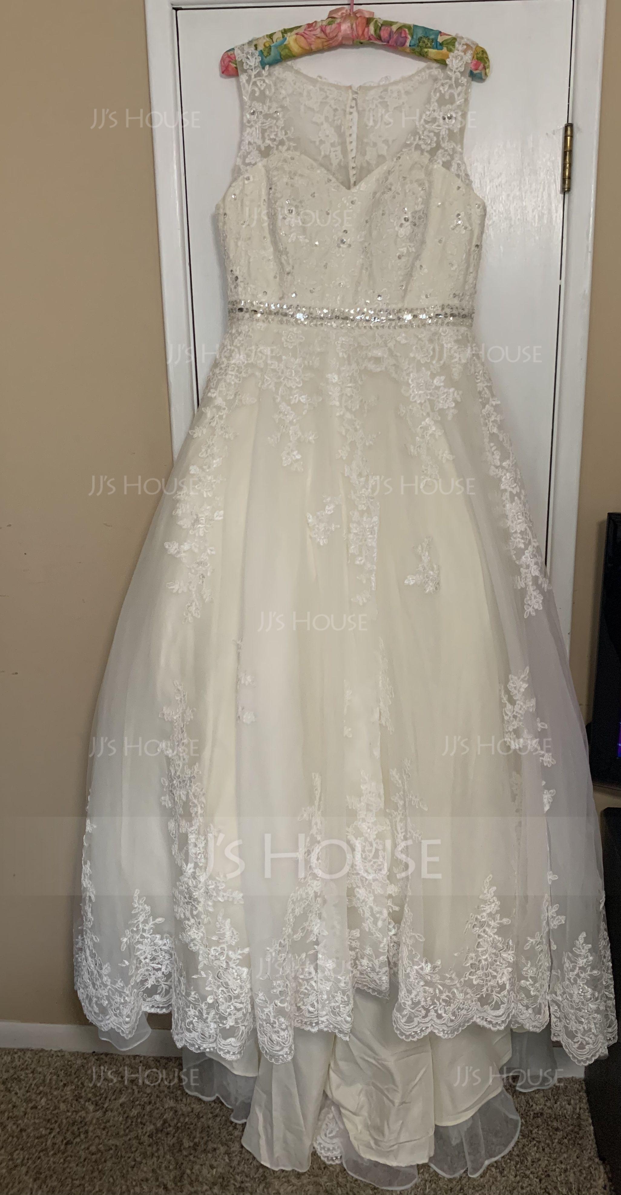 Robe Marquise/Princesse Col V Traîne moyenne Tulle Robe de mariée avec Brodé Paillettes (002186387)