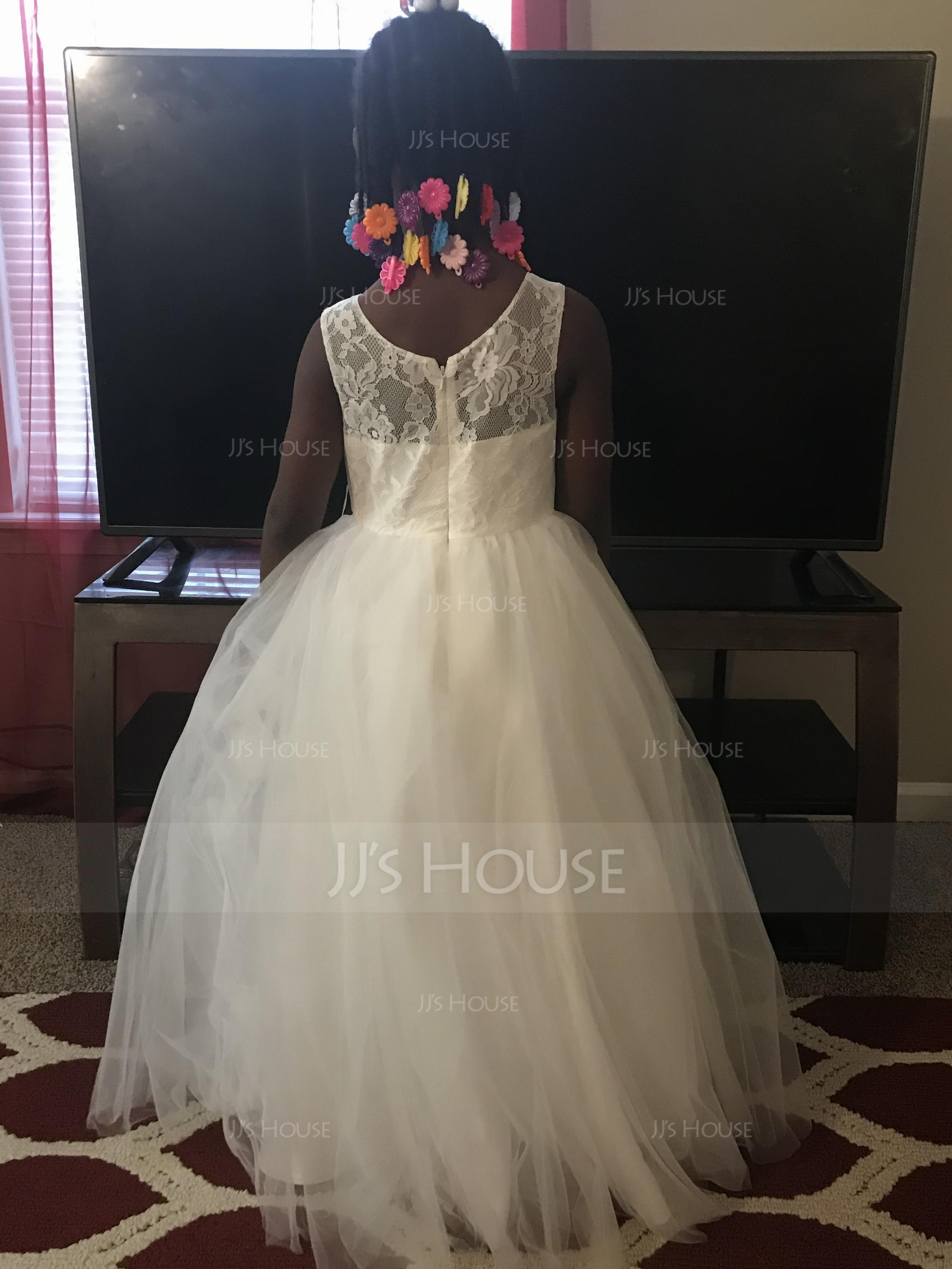 b4a71224df5 I love this dress it s so beautiful and both my flowers girls look amazing