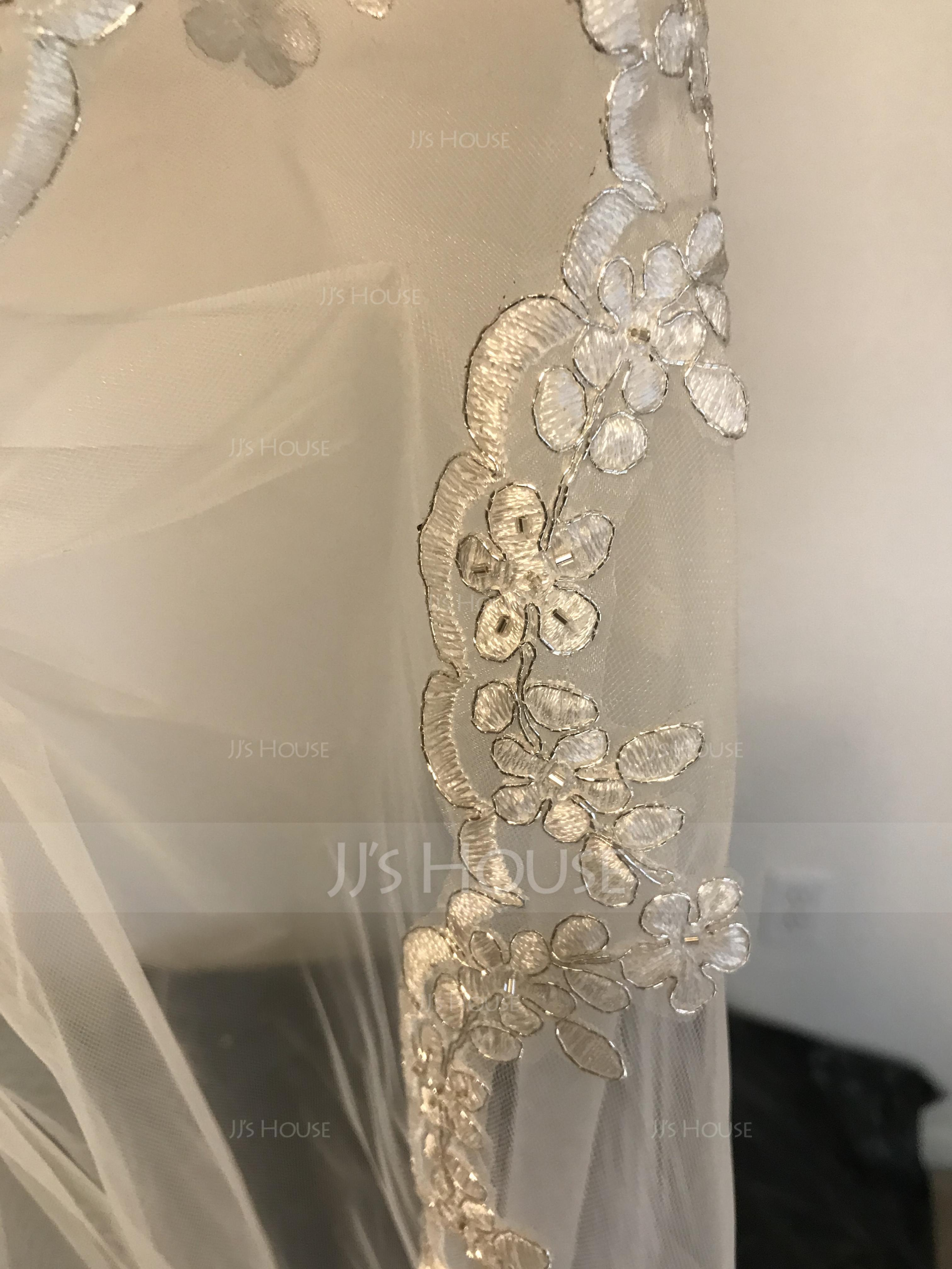 One-tier Lace Applique Edge Fingertip Bridal Veils With Applique/Beading (006034300)