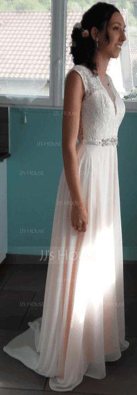 Coupe Évasée Col rond Balayage/Pinceau train Mousseline Robe de mariée avec Brodé À ruban(s) (002117109)
