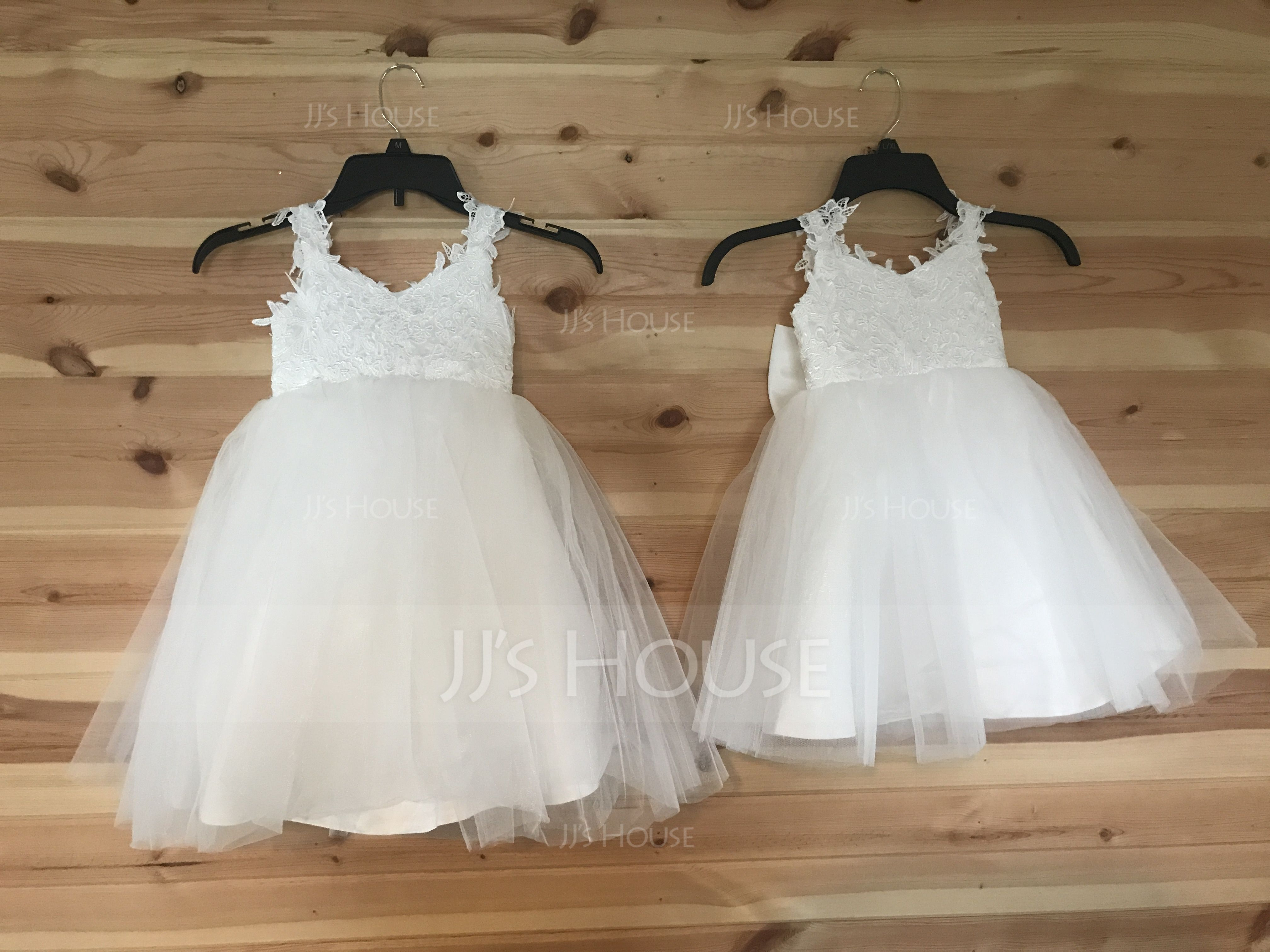 A-Line/Princess Knee-length Flower Girl Dress - Tulle Sleeveless Straps With Appliques/Bow(s)/V Back (010091216)