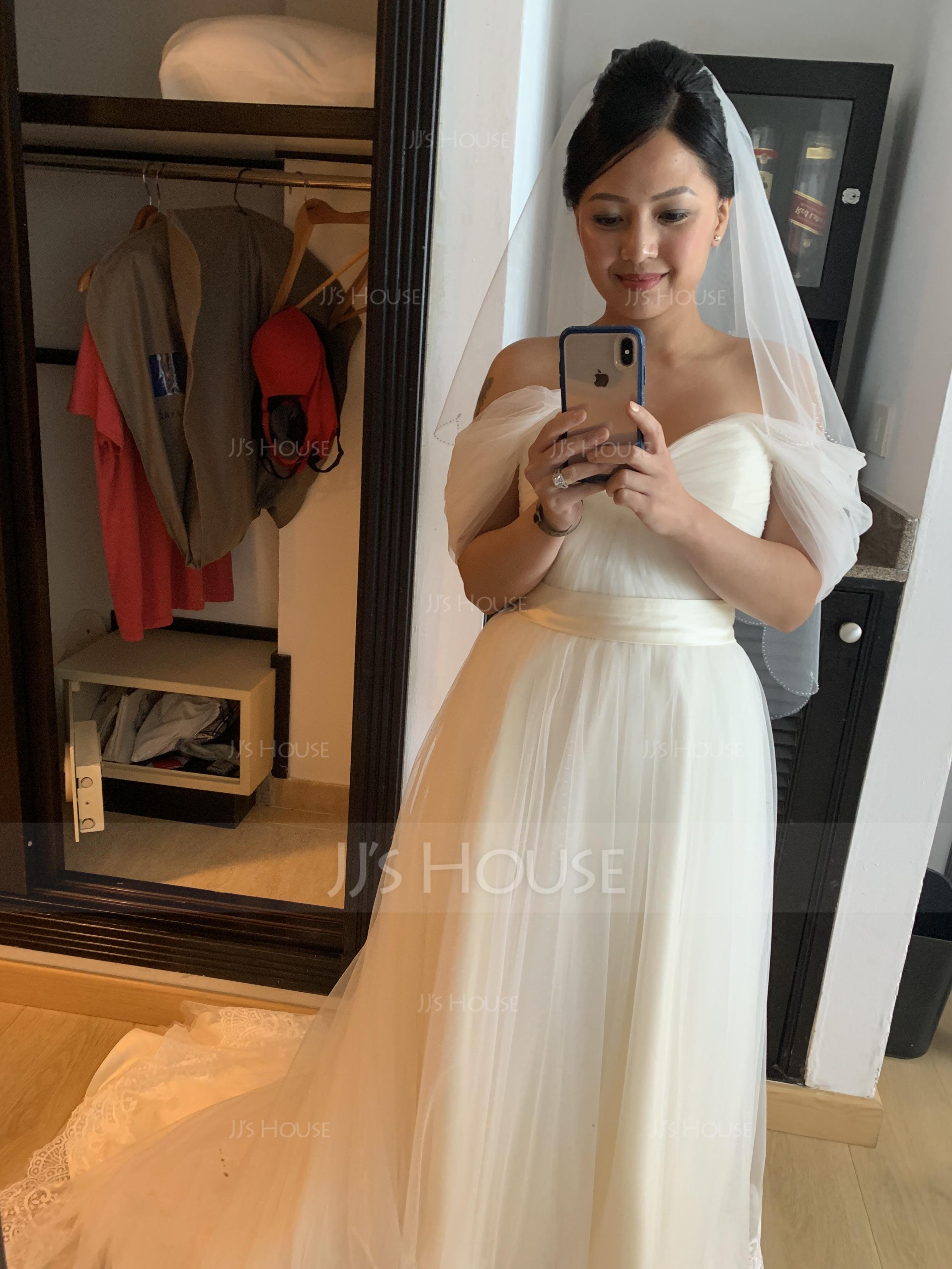 Robe Marquise Hors-la-épaule Traîne moyenne Tulle Dentelle Robe de mariée avec Plissé (002124264)
