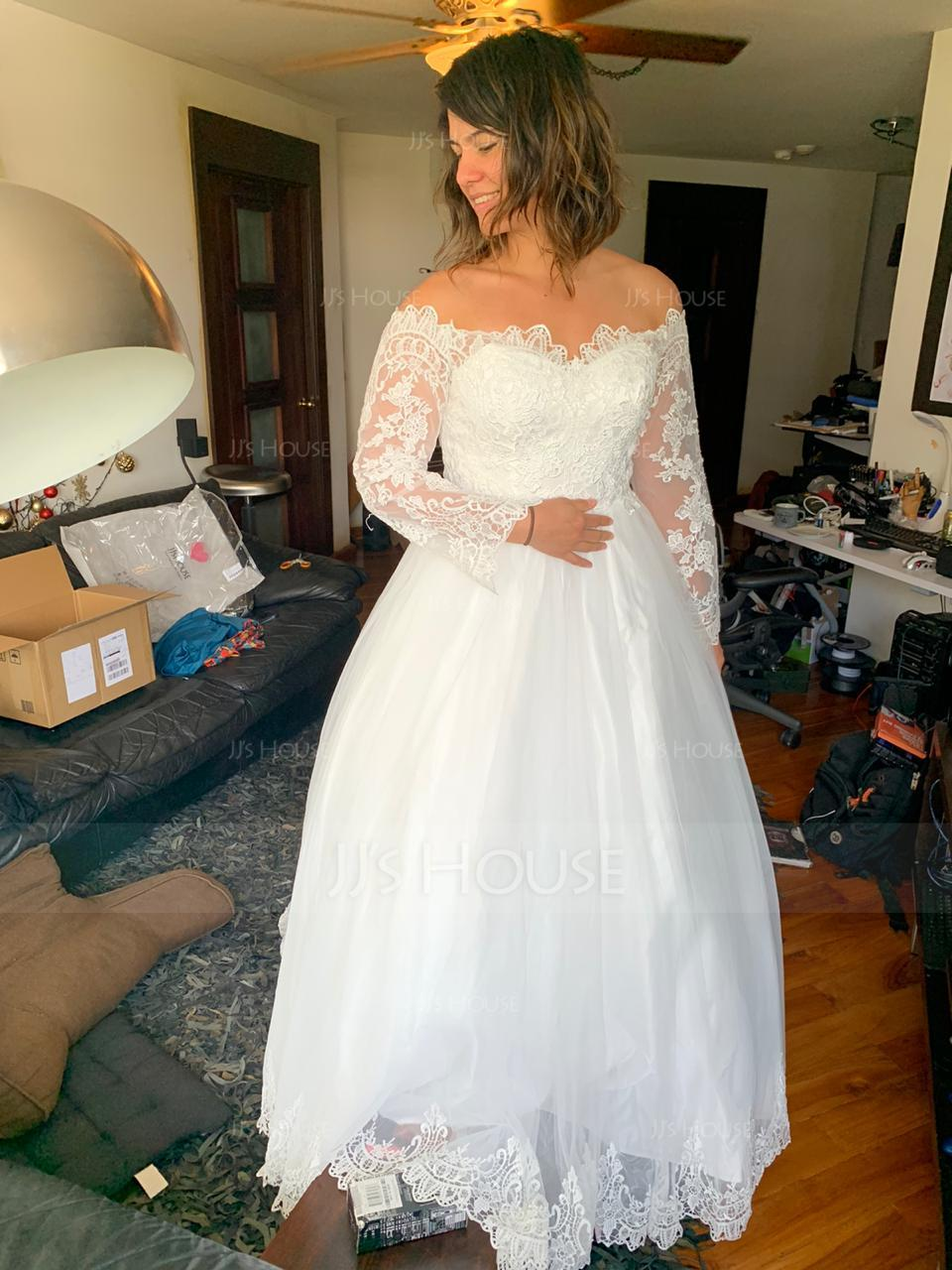 Ball-Gown Off-the-Shoulder Chapel Train Tulle Lace Wedding Dress (002134399)