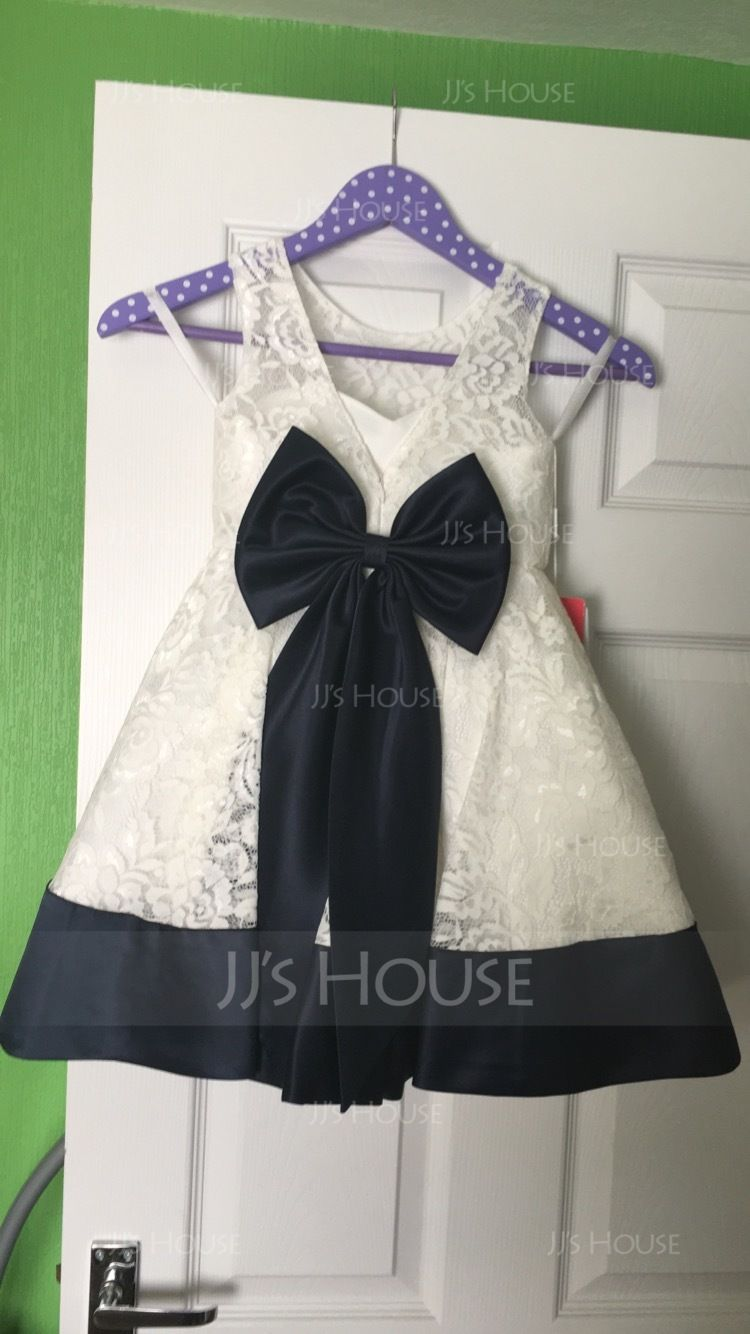 A-Line/Princess Knee-length Flower Girl Dress - Lace Sleeveless Scoop Neck With Bow(s)/V Back (010091385)